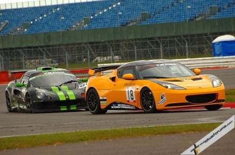 Martin Donnelly leads James Barclay in the Lotus Cup UK race (image courtesy of Les Slater)