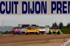 Race 1 start