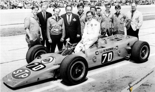 Dick Scammell, Fred Cowley, Colin Chapman, Andy Granatelli, Arthur Birchall, Graham Hill, Jim Pickles, Billy Cowe, Doug Garner, Hywel Absalom, Basil Bacon