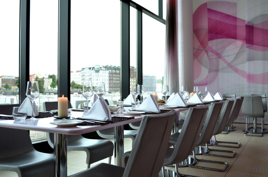 Lifestyle-Hotel-nhow-Berlin-Travel-Fashionblogger-Review-Design