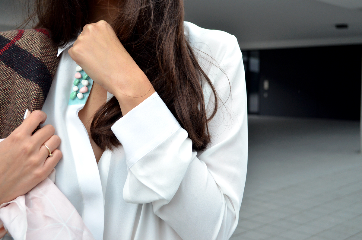 The-White-Shirt-Blouse-Classic-Business-Look-Streetstyle-Fashionblogger-Munich-Poncho-Flared-Pants-Boho-Chic