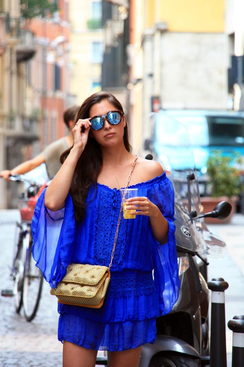 Streets of Verona-Streetstyle-Italia-Summerlook-Blue-Dress-LeSpecs-Benedetta Bruzziches-German Fashionblogger-Munich-Casual-Comfy-Ootd