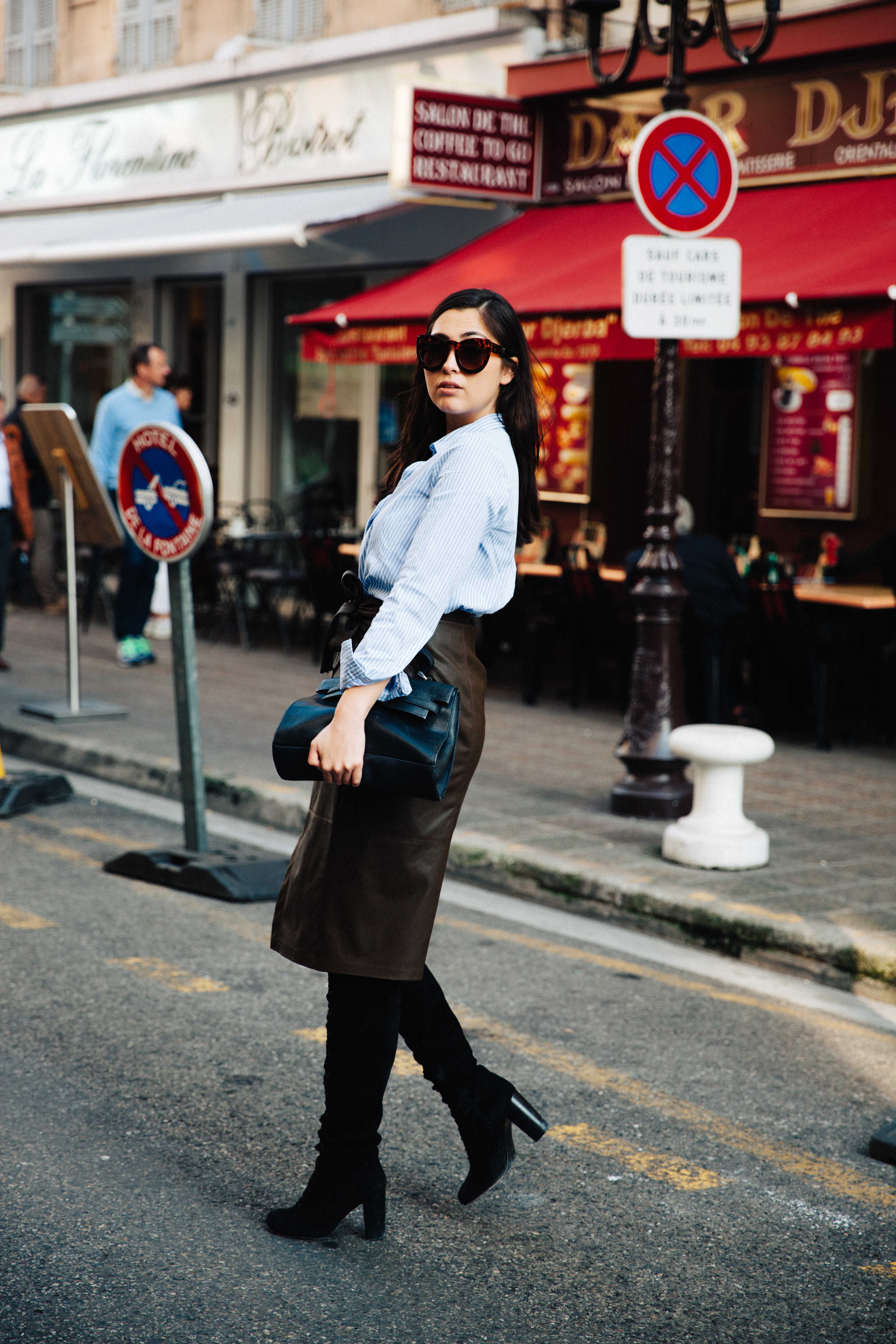 streetstyle - nice - nizza - france - traveldiary - travel in style - trends 2016 - fake leather - layering - fall - overknees suede - striped shirt