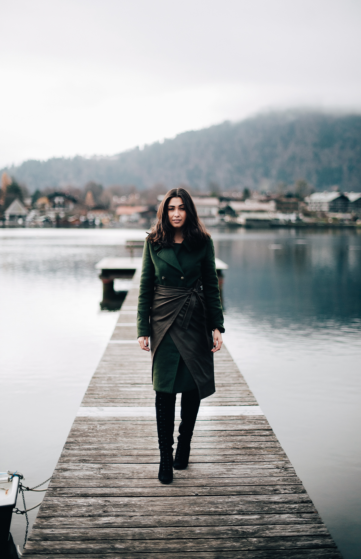 blauer usa - tegernsee - idyllicmoments - woolcoat - militarychic - laceupoverknees - ootd - thecliquesuite - tannengrün - longcoat - lederrock - ted & muffy - seeblick
