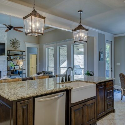 "Headline Image of a Kitchen and Livingroom for our blog ""best time to sell your home"""