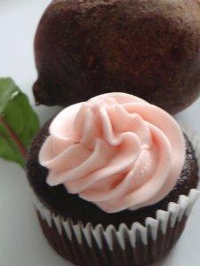 Chocolate beet cupcakes L'Oven Life Ottawa vegan