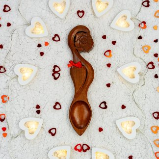 lovespoon handcarved at The Lovespoon Workshop