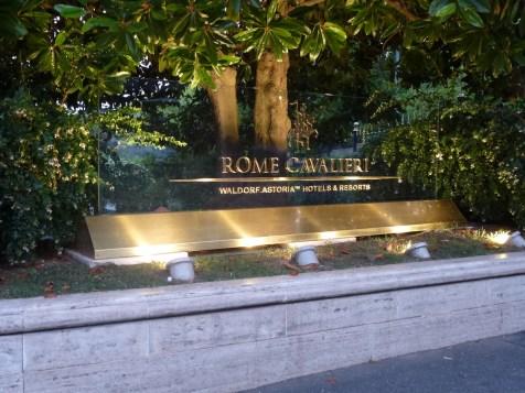 Rome Cavalieri - Entrance by night