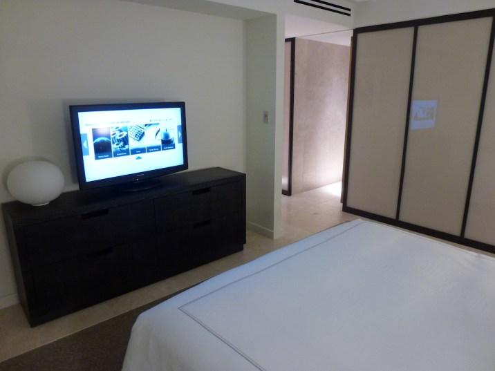 Conrad New York - Deluxe Suite bedroom