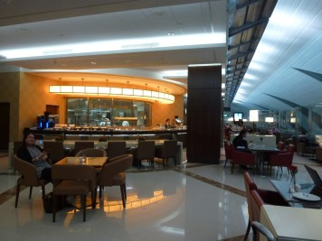 Emirates Business Class Lounge Dubai - Restaurant