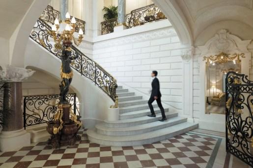 Shangri-La Paris - Stairs