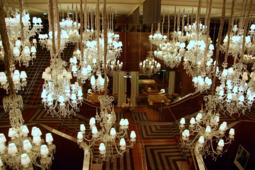 Royal Monceau - Lobby chandeliers