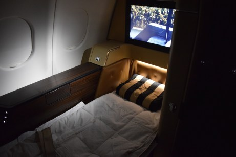 Etihad Airways Diamond First Class - Suite bed 2
