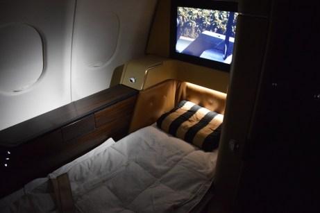 Etihad Airways Diamond First Class - Suite bed 2
