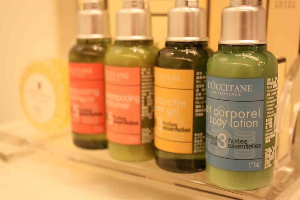 Pudong Shangri-La - Grand Tower Room - Bathroom amenities