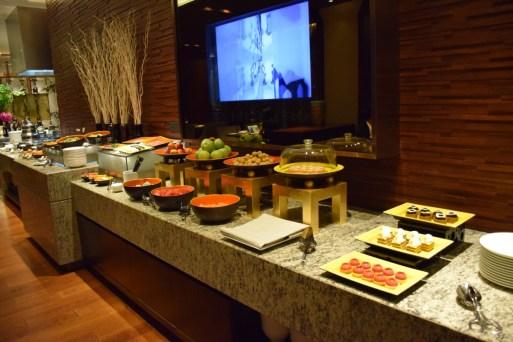 Mandarin Oriental Shanghai - The Club buffet