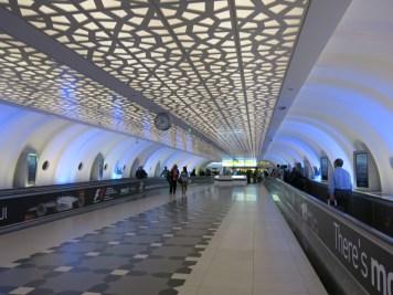 Abu Dhabi airport - Corridors