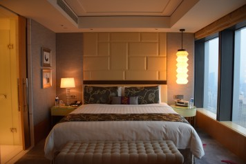 Jing An Shangri-La - Grand Premier Room bedroom