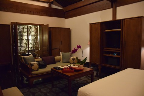 Aman at Summer Palace - Deluxe Suite living room