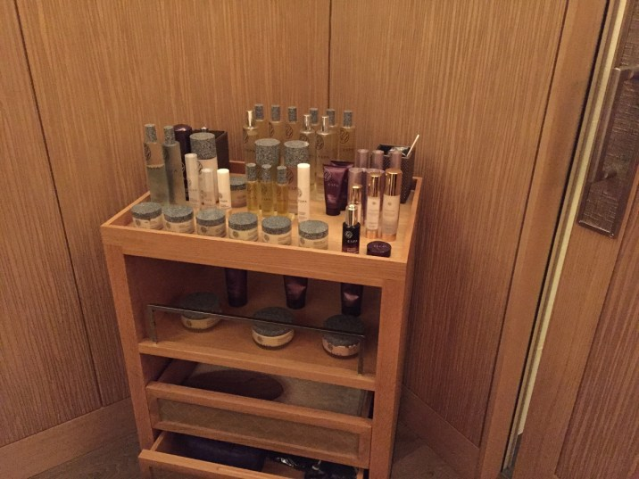 Peninsula Paris Spa - ESPA products in treatment room