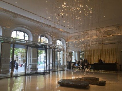 Peninsula Paris - Lobby