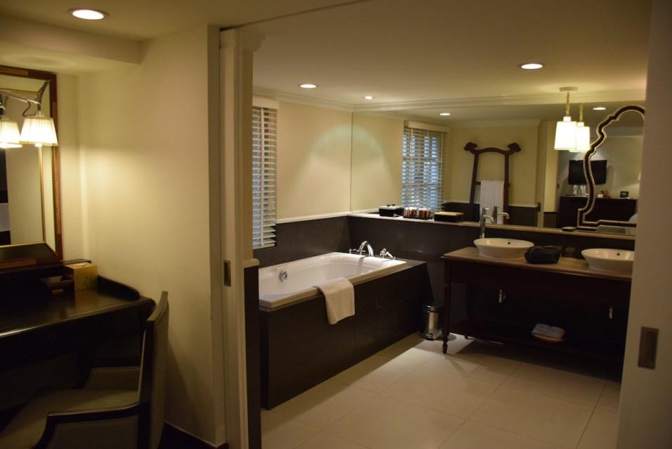Villa Song Saigon - Sanctuary Room bathroom