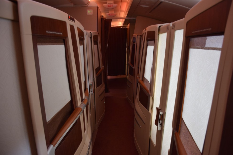 Singapore Airlines A380 Suites - Fully closed cabin