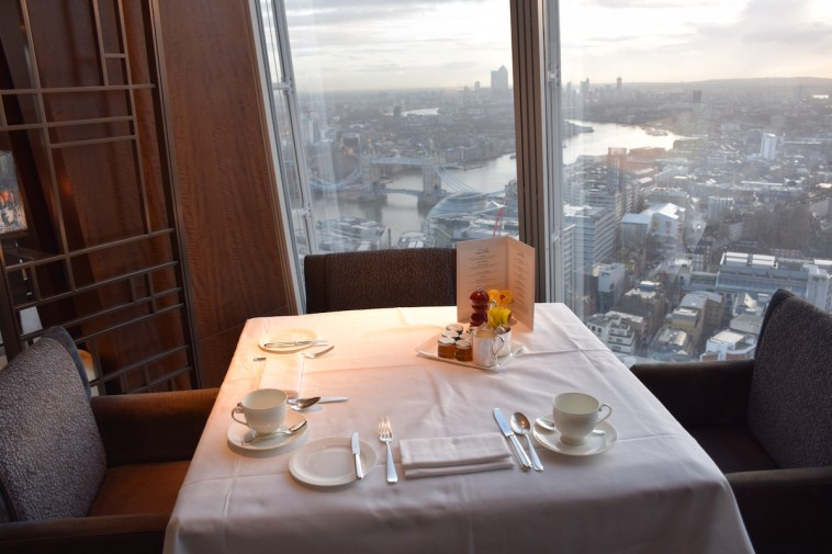 Ting restaurant - Table with a view