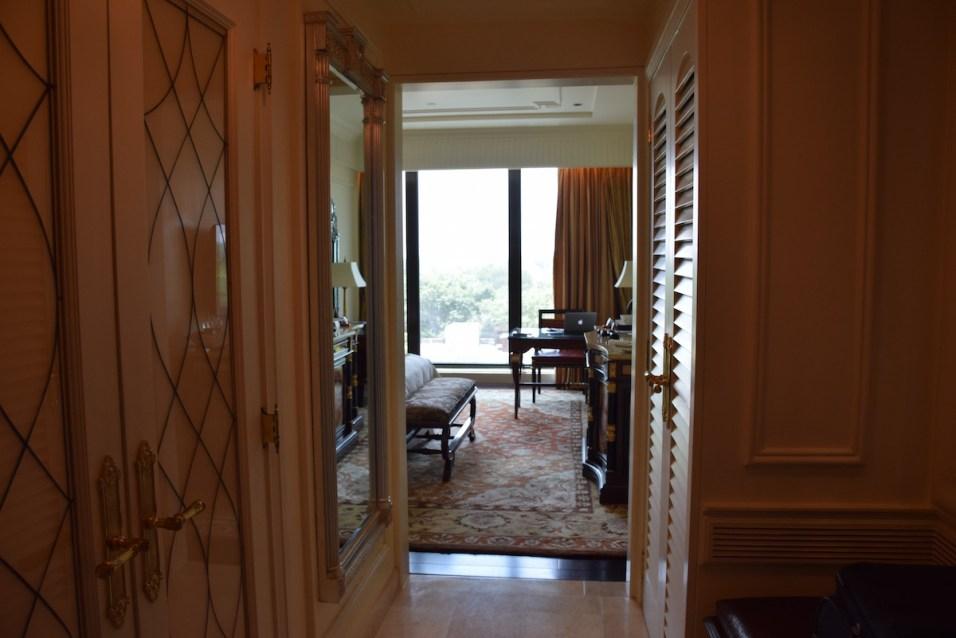 Grande Deluxe Room - Entrance