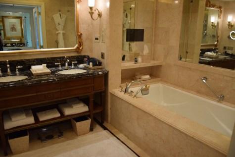 Grande Deluxe Room - Bathroom