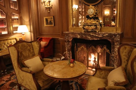 Salon Proust fireplace