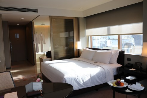 Deluxe Corner Room #2918 - Okura Prestige Bangkok