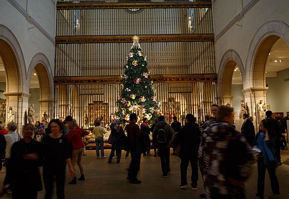 la-sala-de-escultura-medieval-con-el-coro-de-la-catedral-de-valladolid-foto-richard-perry_the-new-york-times
