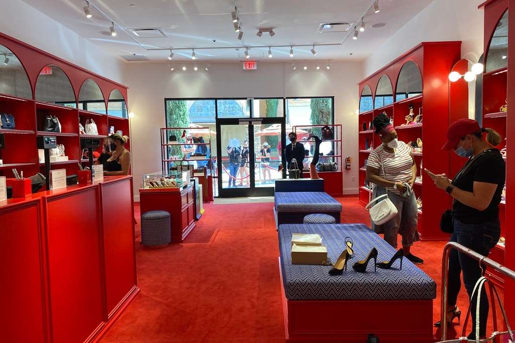 Christian Louboutin Outlet Looking Back at the Front Entrance (The Luxury Lowdown Blog)