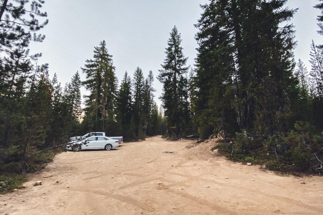 Dusty Dirt Parking Lot for Lemolo Falls South Trail
