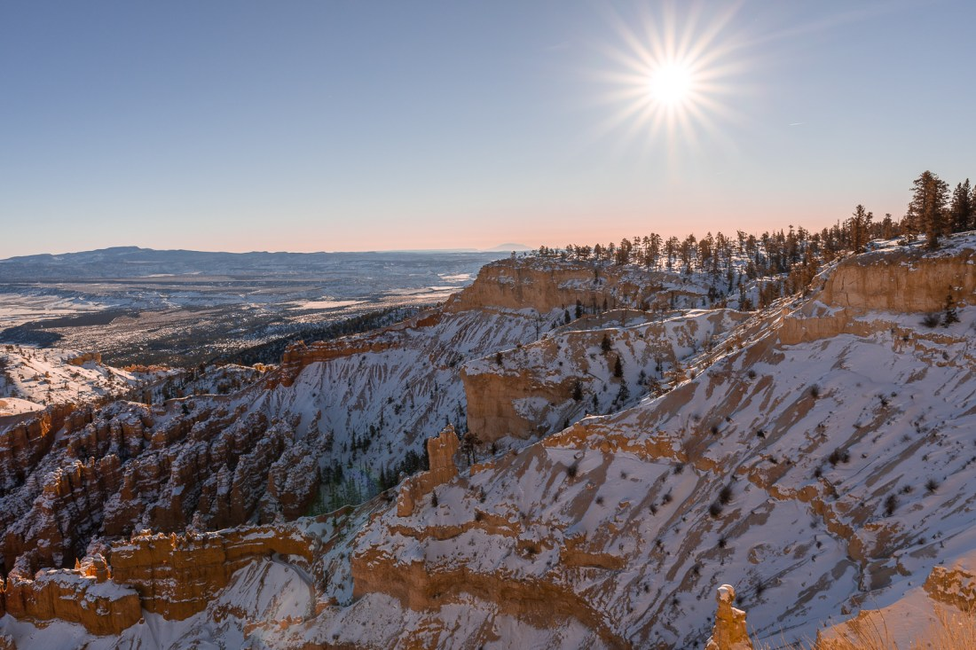 View looking to the far right side of the ridge of Bryce Point. You can see the sun is coming over the ridge.
