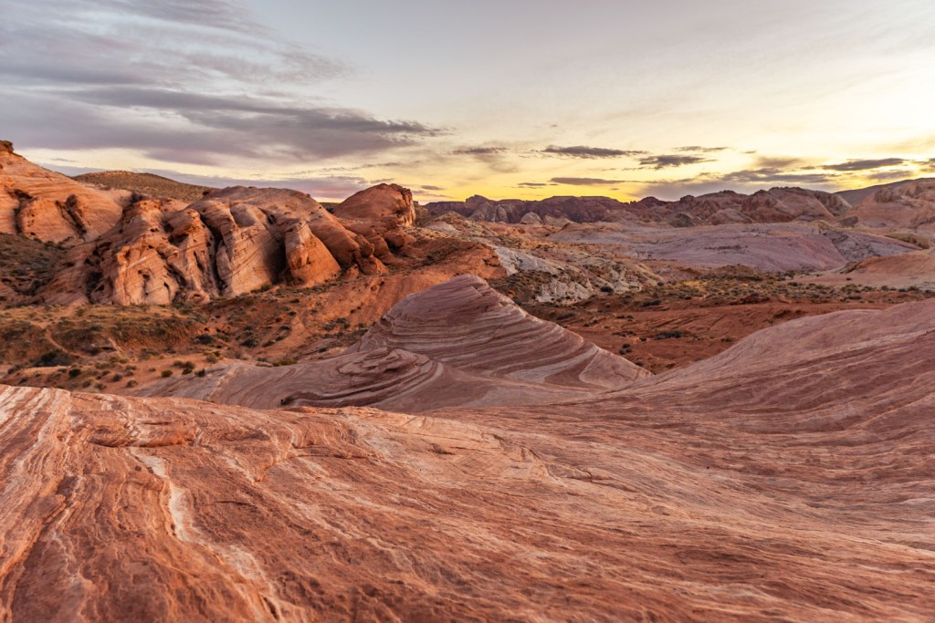 Sun Slowly Setting Over Valley of Fire State Park