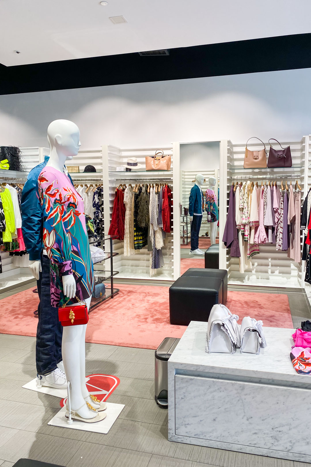 Valentino Outlet at Desert Hills Premium Outlets (Cabazon, CA)
