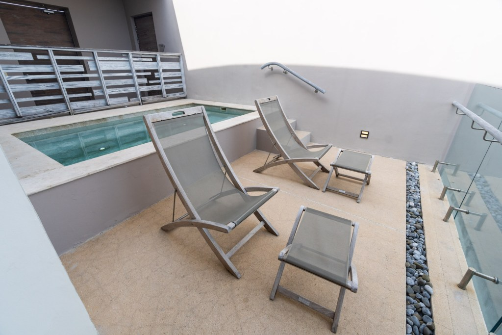 Sundeck Chairs and Plunge Pool