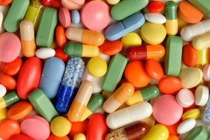 supplements pile