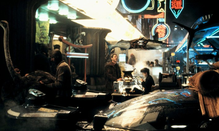 HARRISON FORD Film 'BLADE RUNNER' (1982) Directed By RIDLEY SCOTT 25 June 1982 CTM43563 Allstar/Cinetext/WARNER BROS **WARNING** This photograph can only be reproduced by publications in conjunction with the promotion of the above film. For Editorial Use Only