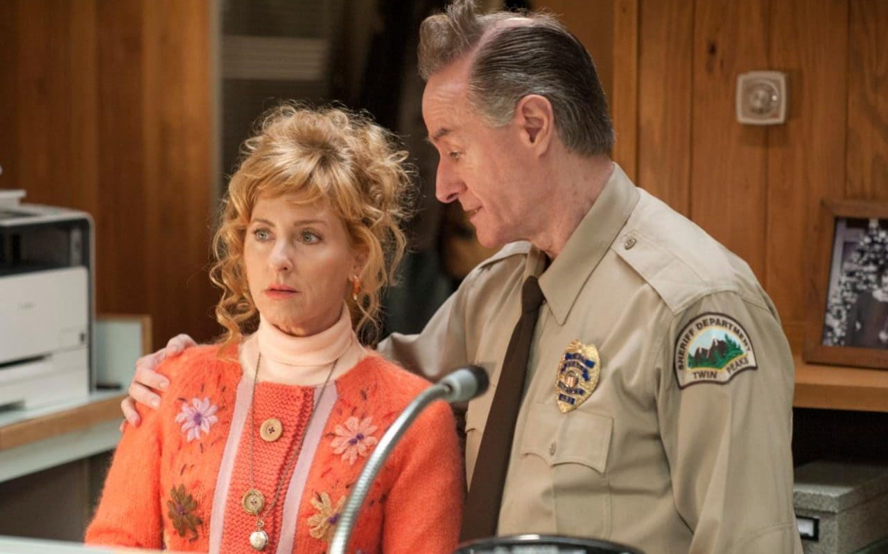 twin peaks 3 stagione sky atlantic david lynch mark frost episodio episodi 1 2 angelo badalamenti cap screencap screeshot hawk dale cooper laura palmer andy lucy
