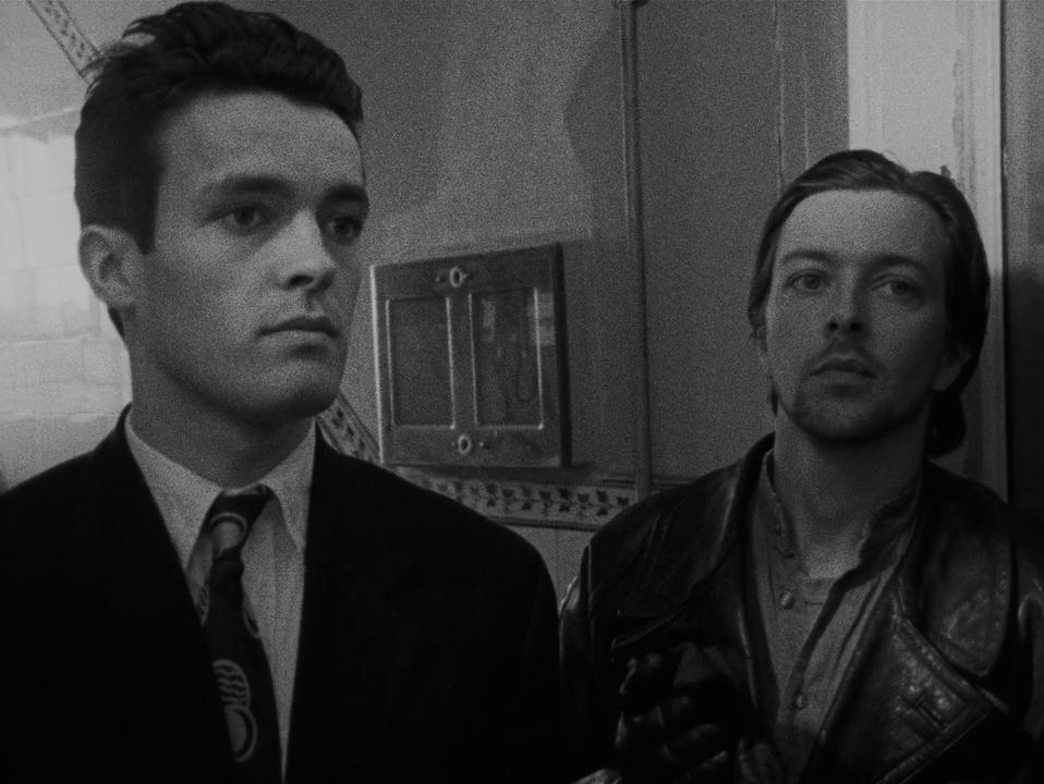 Cobb (Alex Haw) e Bill (Jeremy Theobald)