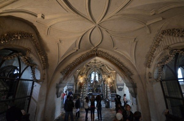 bone-church-sedlec-ossuary-003