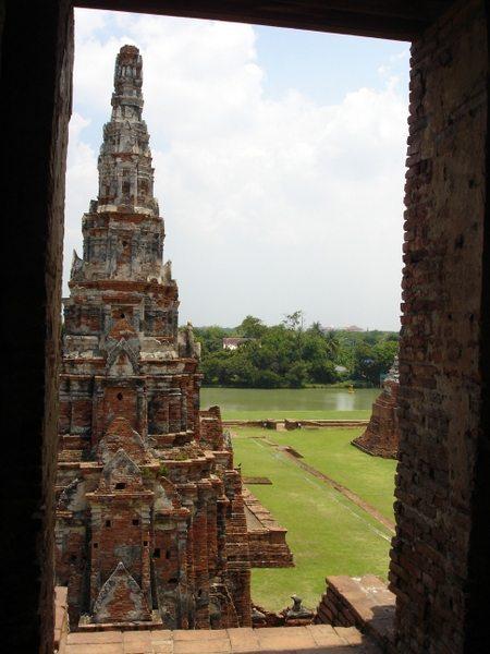 ayutthaya-thailand-ruins