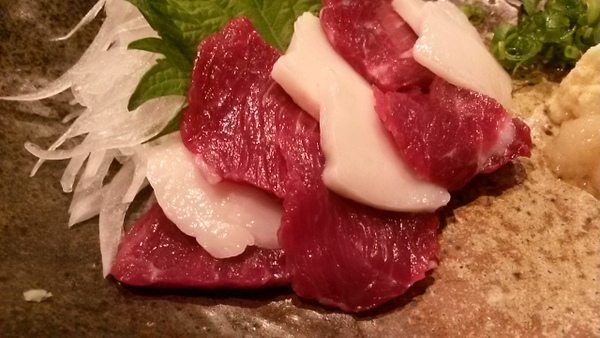 osaka-izakaya-horse-sashimi-005
