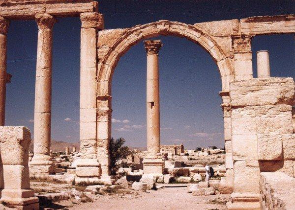 palmyra-syria-ruins-009
