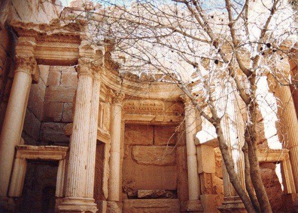 palmyra-syria-ruins-010