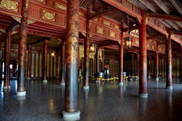 hue-imperial-thai-hoa-palace-4