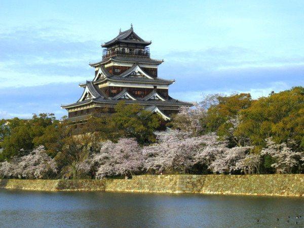 sakura-hiroshima-castle_3047